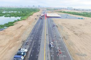 Hun Sen: New road could be emergency runway