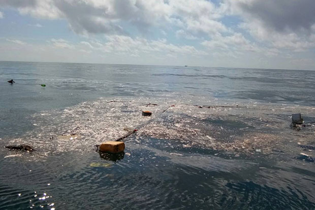 Another 'garbage island' found off Bang Saphan coast