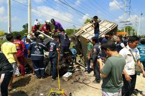 Two dead, third critical in Ayutthaya truck-car crash