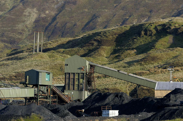 UK has first coal-free day since 1880s