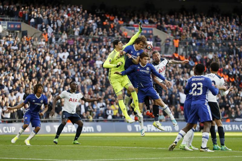 Hazard sends Chelsea into FA Cup final