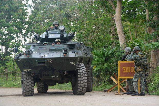 Militants behead Philippine soldier