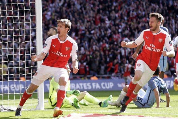 Palace beat Liverpool; Arsenal gain FA Cup final
