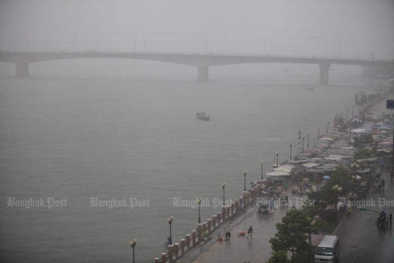 Cambodia, Vietnam open new bridge to boost trade