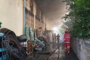 Fire guts large hardware store in Samut Sakhon