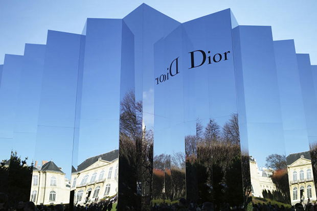 LVMH consolidating hold on Dior in mega-deal