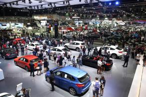 Car shipment woes linger in March
