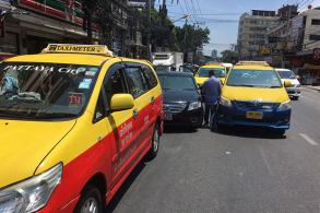 Pattaya cabbies warned not to act against Uber taxis