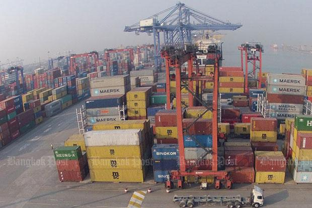 container freight station project report A container freight station or cfs is a shipping dock where a cargo is loaded into, or unloaded from containers generally, this involves less than containerload shipments, although small shipments destined to same consignee are often consolidated.