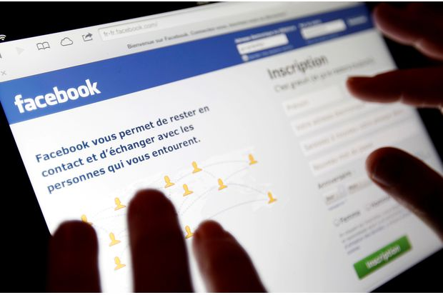 Facebook still accessible as govt deadline passes