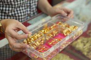 Gold prices up B100 to B20,550