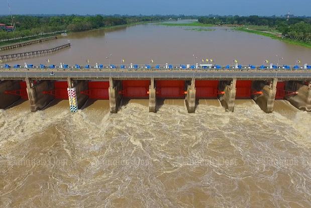 Chao Phraya Dam increases water discharge