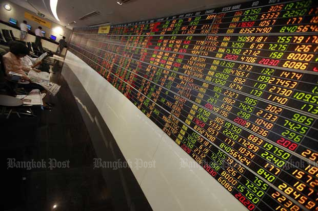 SET rises 5.25 to 1,562.98 at midday