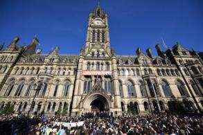 Manchester suicide bomber identified; concerts cancelled
