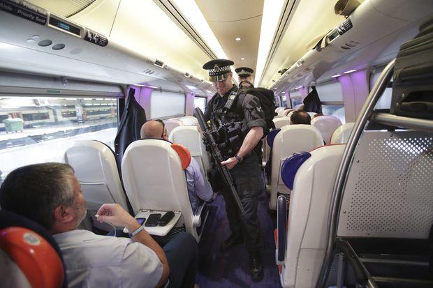 UK police make new arrest in bombing probe