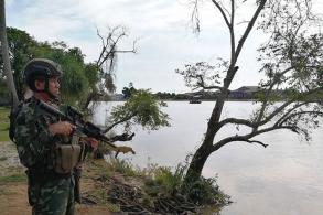 Troops patrolling Thai-Malaysian border
