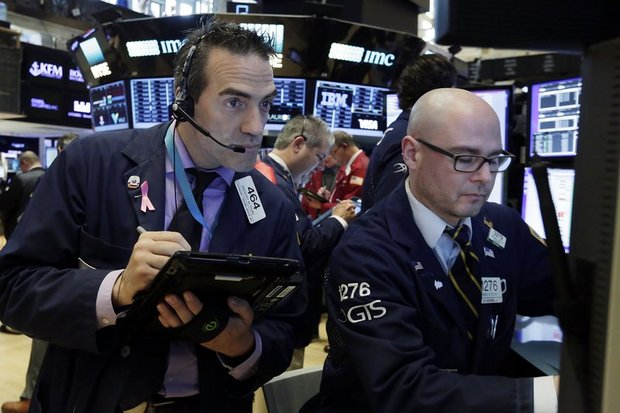Tech tumble continues, stocks fall further