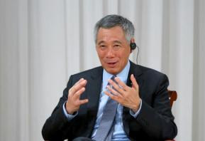 Singapore prime minister in row with siblings