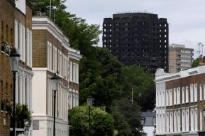 Tower tragedy exposes London's stark divide