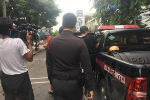 Student activist Rangsiman arrested on way to political forum