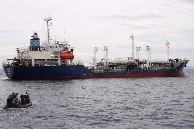 Hijacked Thai oil tanker returns safely from Malaysia