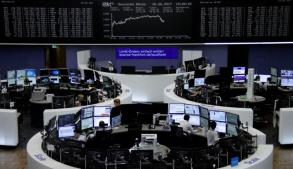 SE Asia stocks rise as oil prices extend gains