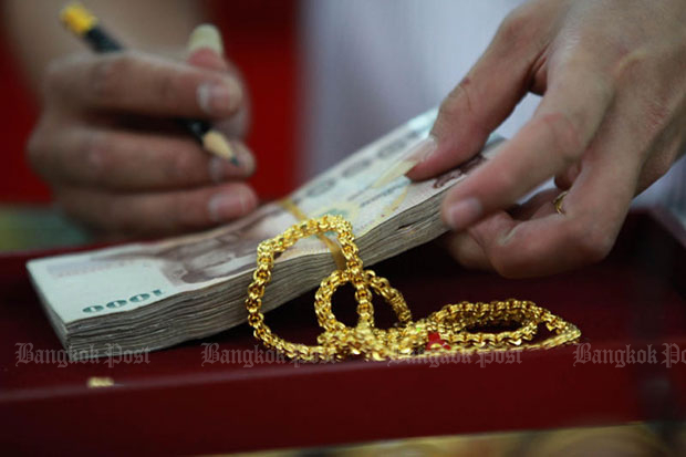 Gold prices up B100 to B19,800