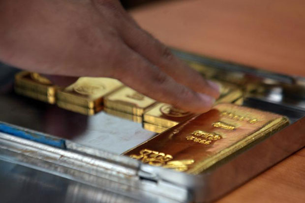 Gold prices down B50 to 19,650