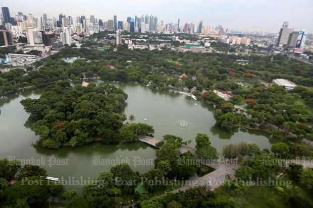 Lumpini park: A cheap and healthy path to fitness
