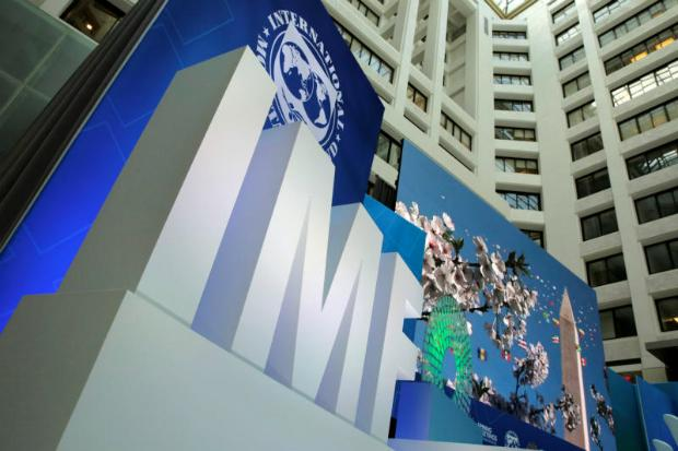 IMF Maintains Outlook For World Economy But Cuts US, UK View