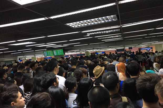 Don Mueang passengers suffer in four-hour queue