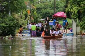 Flood ravages Chiang Rai border area