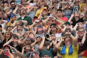 Americans in awe of total solar eclipse