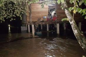 Mother, young child drown in overnight flood in Tak