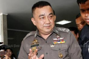 Democrats blast top policeman over Yingluck case