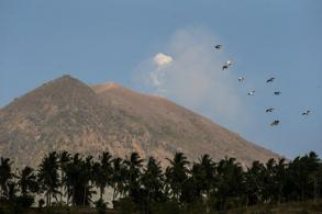 Fear of volcanic eruption on Bali forces nearly 135,000 to flee