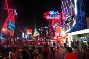 Prawit orders mafia crackdown at tourist spots