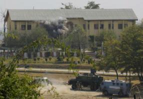 Rebels storm Indian camp in Kashmir; 3 killed