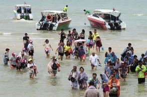 2017 tourist arrivals forecast cut to 33-34m