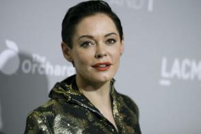 Rose McGowan 'rape' tweet centre stage in Weinstein saga