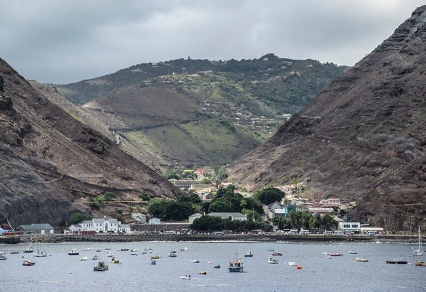 Remote St Helena hails first commercial flight
