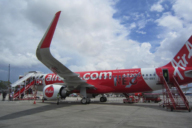 Passengers speak of panic aboard Indonesia AirAsia flight