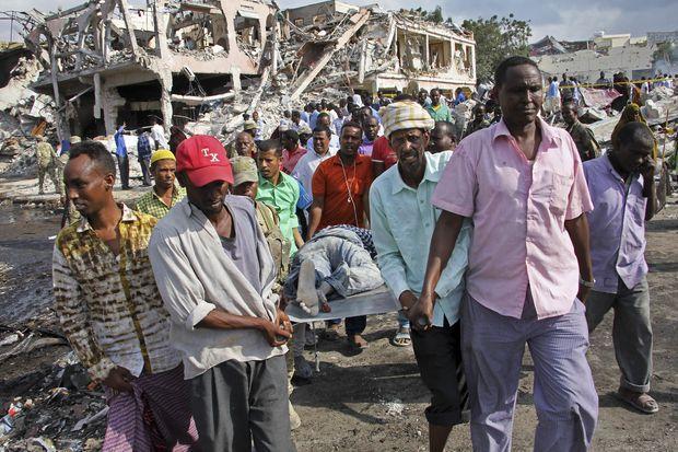Somalia truck bombing toll over 300 | Bangkok Post: news