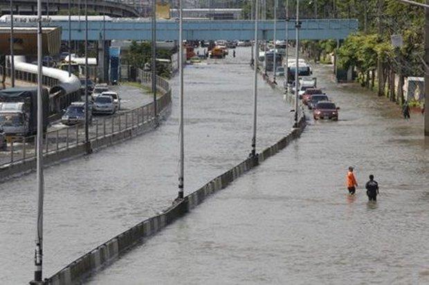 Flood blame for Aswin falls short of axe