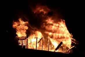 Fire razes B5m Thai-style house