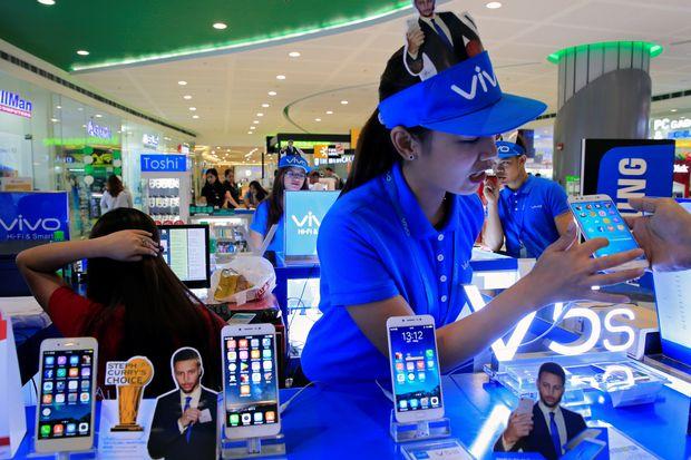 Smartphone upstart that beat Apple is now venturing West