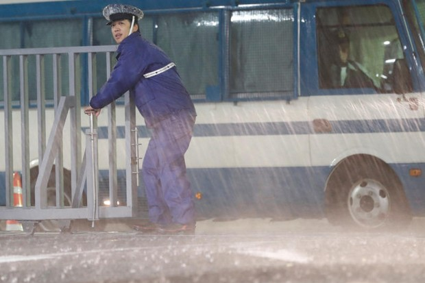 Flights cancelled as killer Typhoon Lan slams into central Japan