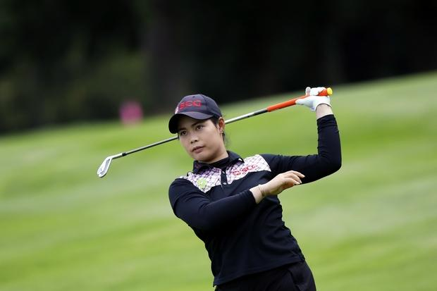 Shanshan Feng leads Blue Bay LPGA after 3 rounds