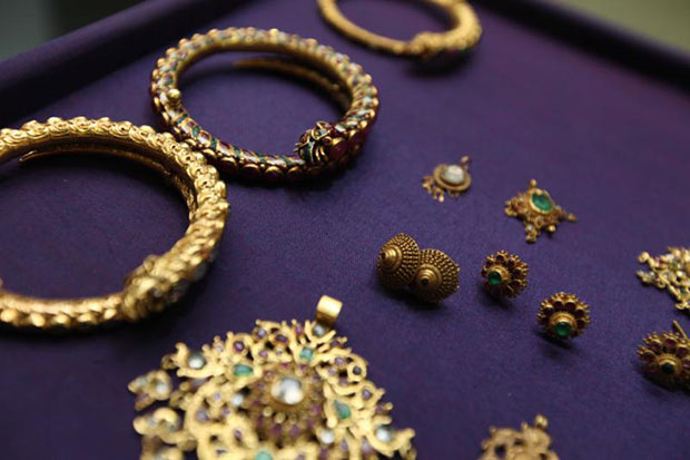 Gold prices down B50 to 20,050