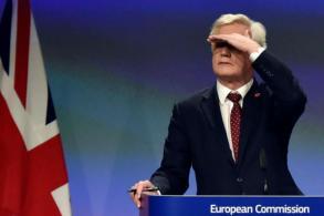 EU chief: Britain should pay at least $70 billion